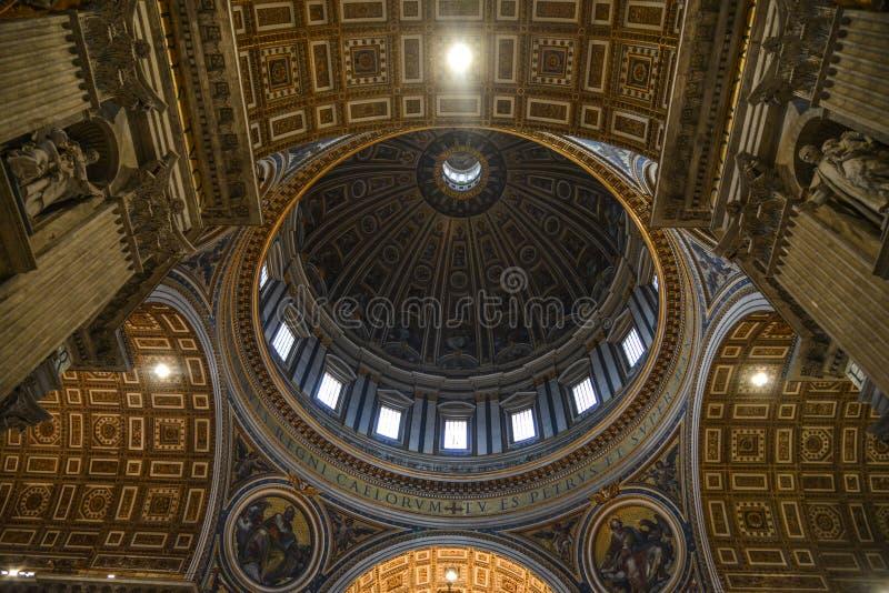 圣彼得大教堂圣彼得罗岛内部  免版税库存照片