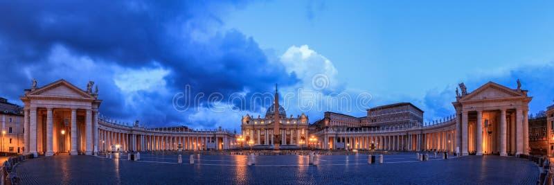 圣彼得大教堂在罗马 免版税库存图片