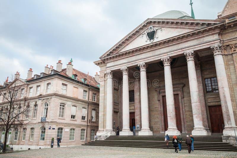 圣彼得大教堂的大门 图库摄影