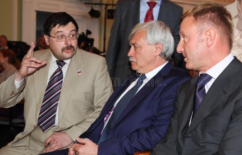 """圣彼德堡假日的毕业庆祝的Georgy波尔塔夫琴科州长在物理数学学苑â """"– 239的 库存图片"""