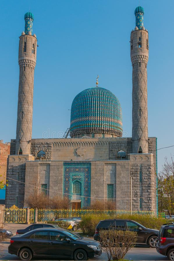 圣彼德堡,俄罗斯- 04 26 2019年:圣彼德堡大教堂清真寺是一个宗教大厦 建筑学的纪念碑 库存图片