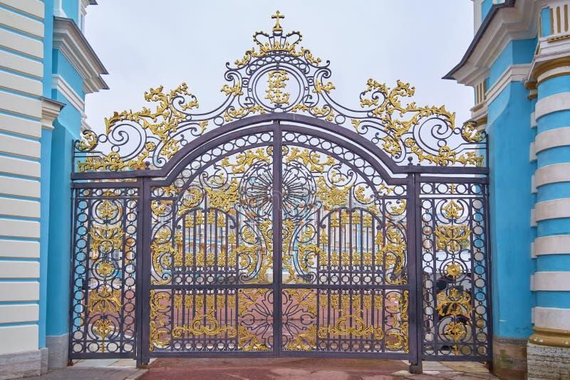 圣彼德堡,俄罗斯- 2019年3月16日:正门,凯瑟琳宫殿,Tsarskoye Selo,普希金在圣彼德堡,俄罗斯 免版税图库摄影