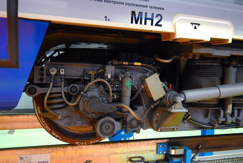 圣彼德堡, 2010年7月07日:高速火车在Metalostroy乘客机车车辆集中处的Pendolino Sm6急速的乐章 mot 免版税库存图片
