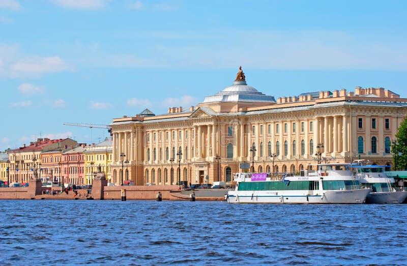 圣彼德堡 俄国 艺术的俄国学院 免版税库存图片