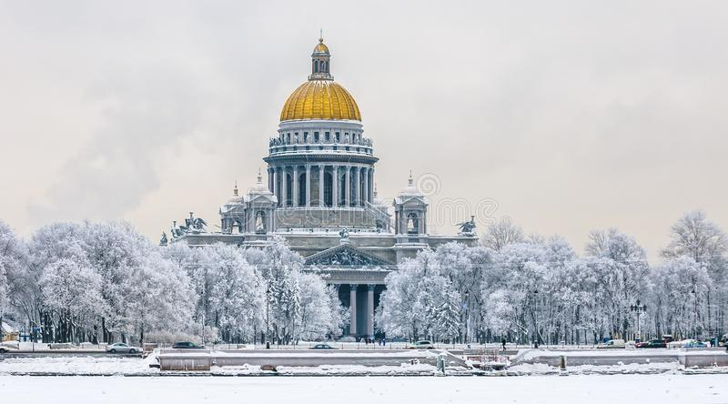 圣徒以撒` s大教堂在冬天,圣彼得堡,俄罗斯 库存照片