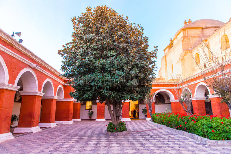圣徒凯瑟琳修道院在阿雷基帕,秘鲁。(西班牙语:圣卡塔利娜) 免版税图库摄影