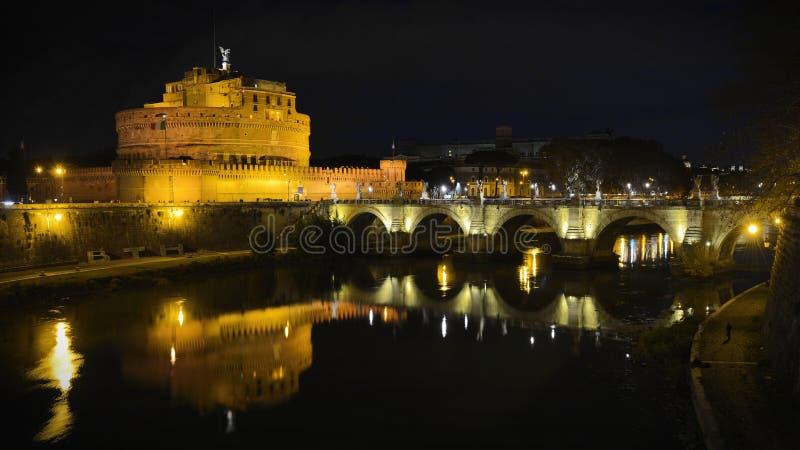 圣徒安吉洛城堡在罗马在夜之前 免版税库存图片