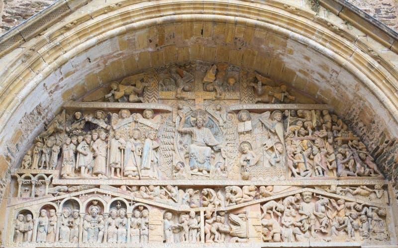 圣徒福伊,孔屈埃修道院教会的门  免版税库存图片