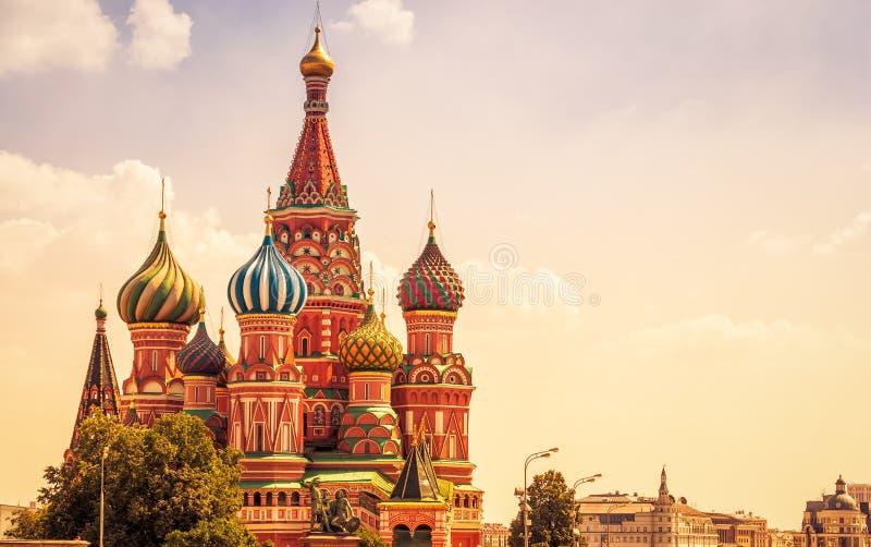 圣徒蓬蒿` s大教堂在莫斯科 图库摄影