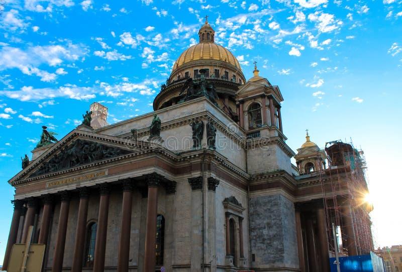 圣徒以撒大教堂 免版税库存照片
