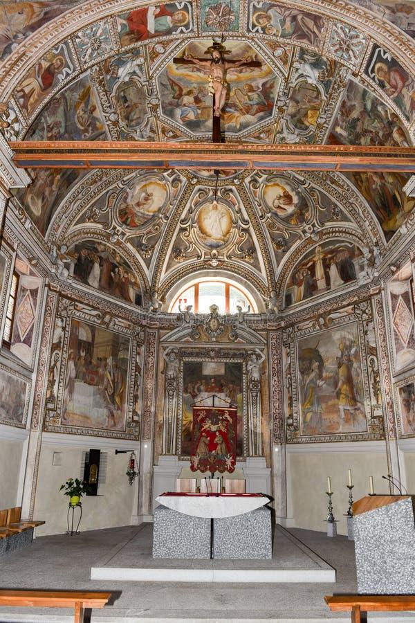 圣徒Malvaglia的马蒂诺教会内部  图库摄影