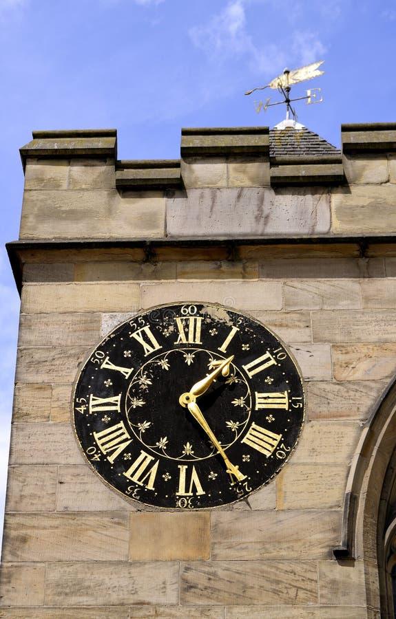圣徒Michaels教会时钟 免版税库存照片