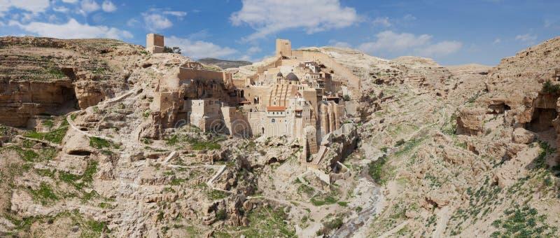 圣徒Sabbas的遥远的圣洁拉夫拉全景空中广角风景神晟化,已知用阿拉伯语作为3月萨巴 库存照片