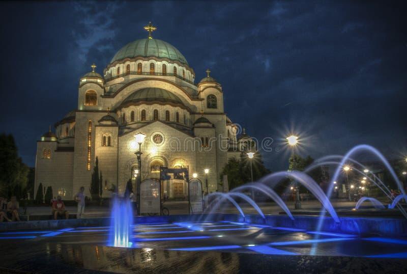 圣徒Sava寺庙夜视图在贝尔格莱德 免版税库存图片