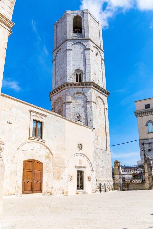 圣所看法在Monte Sant `安吉洛的在apulia,意大利 免版税库存图片