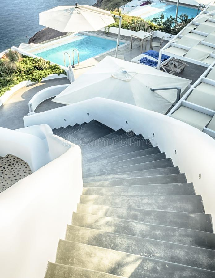 圣托里尼卷曲星和游泳池,希腊 库存照片
