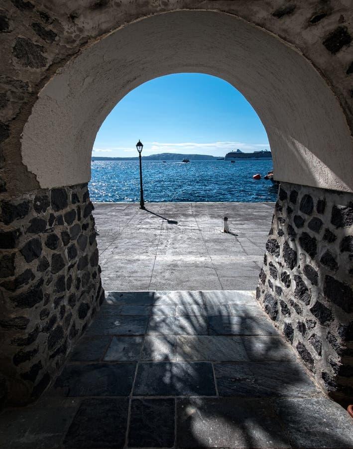 圣托里尼海岛的街道  希腊 免版税图库摄影