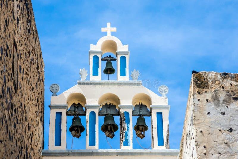 圣托里尼费拉希腊教堂的钟声 库存照片