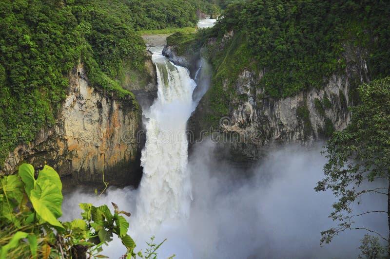 圣拉斐尔瀑布,巴伊扎,厄瓜多尔 免版税库存照片