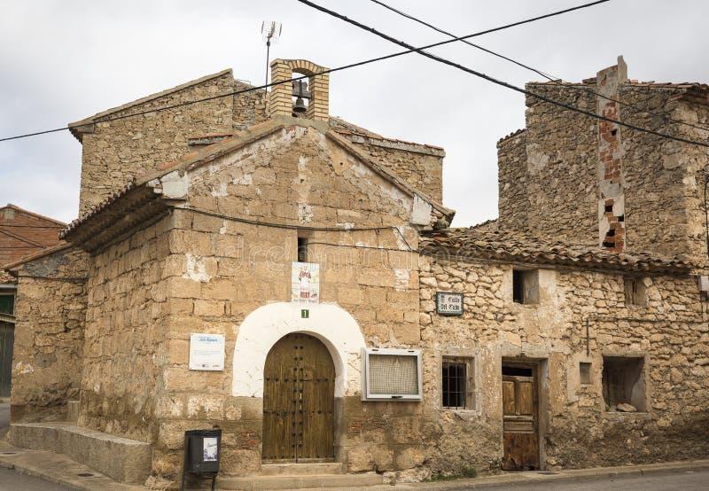 圣拉蒙偏僻寺院在丰特斯克拉拉斯镇,特鲁埃尔省,阿拉贡,西班牙省  免版税库存照片
