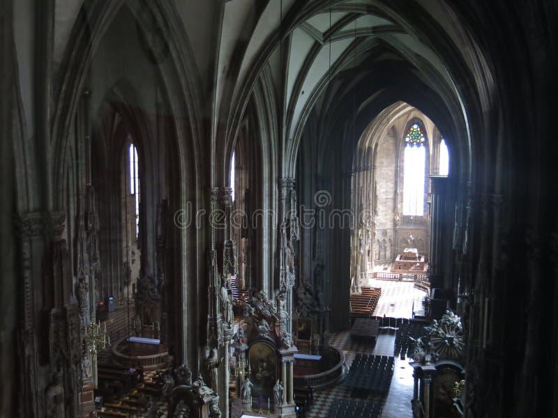 圣斯蒂芬的大教堂教堂中殿  免版税库存照片