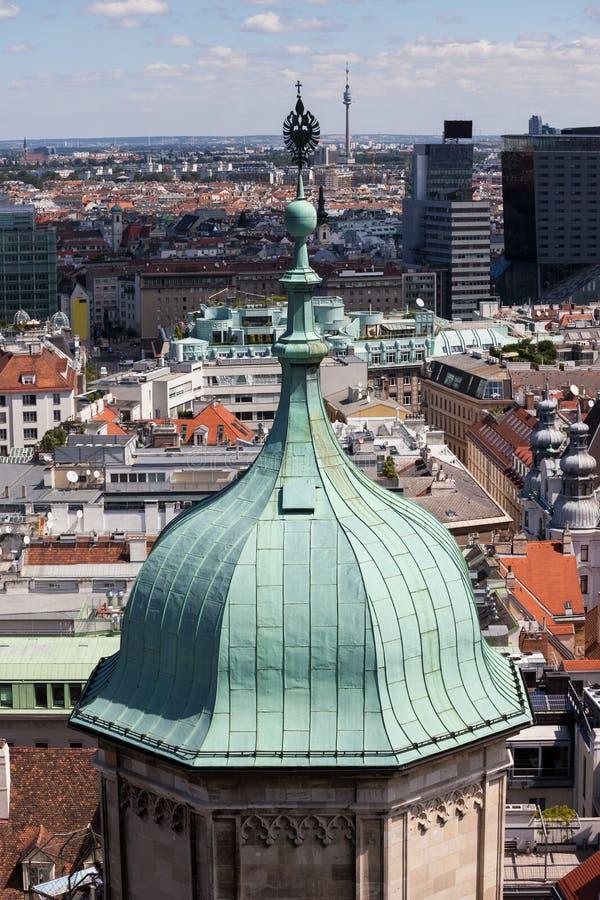 圣斯蒂芬` s大教堂塔圆顶在维也纳 免版税图库摄影