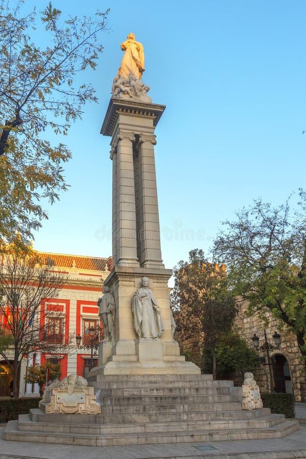 圣母无染原罪瞻礼的纪念碑在塞维利亚,西班牙 库存照片