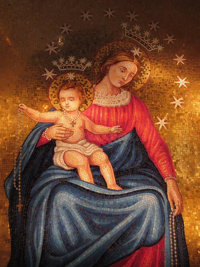 圣母玛丽亚和儿童马赛克 免版税库存照片