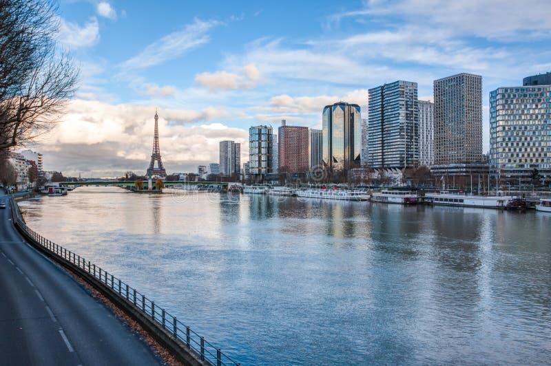 从巴黎圣母院的巴黎地平线 免版税图库摄影