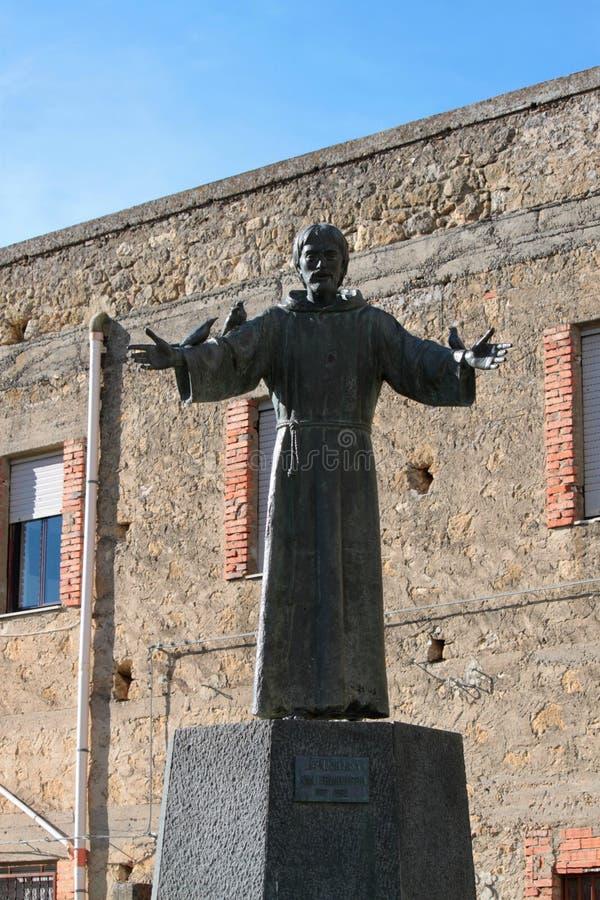 圣法兰西斯雕象  免版税图库摄影