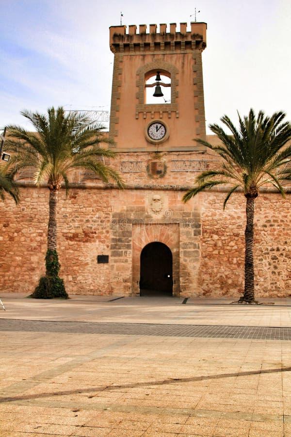 圣波拉,西班牙渔村的堡垒城堡  图库摄影