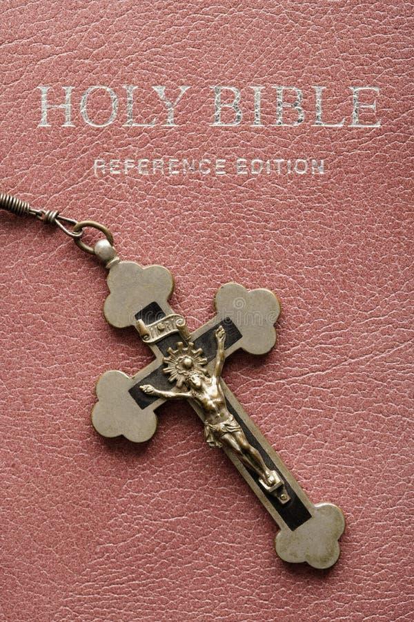 圣洁圣经的耶稣受难象 库存图片