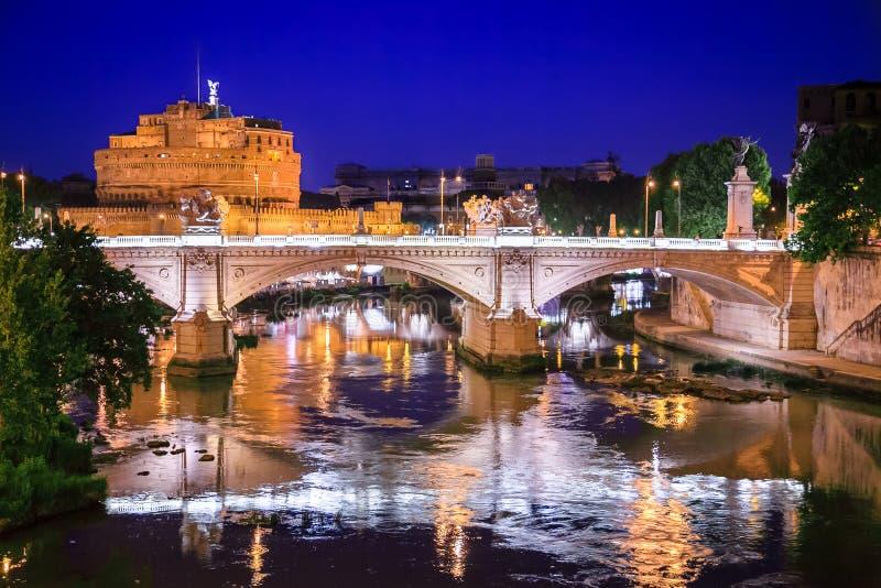 圣洁天使城堡,亦称哈德良陵墓日落的,罗马,意大利 免版税库存照片