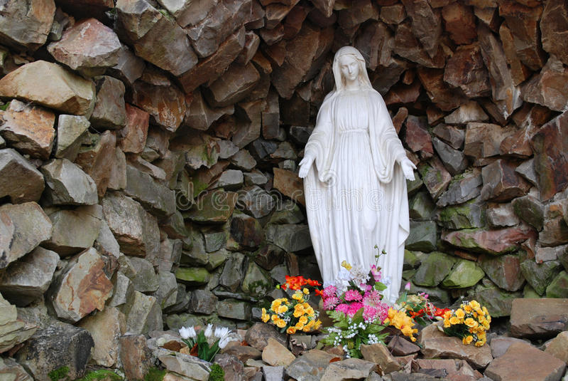 圣洁玛丽雕象 免版税库存照片