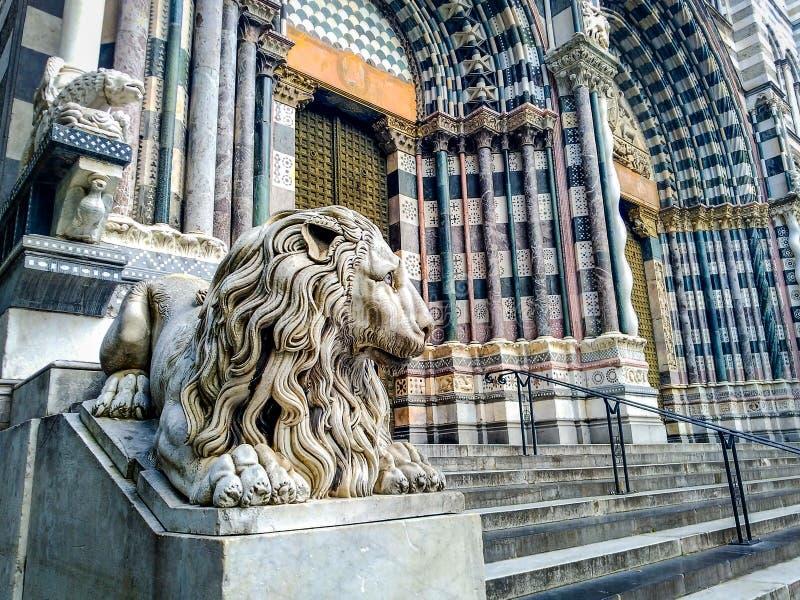 圣洛伦佐大教堂的装饰在热那亚 免版税库存照片