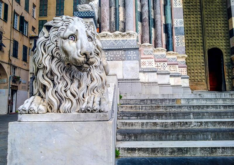 圣洛伦佐大教堂的装饰在热那亚 免版税图库摄影