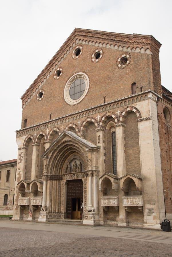 圣洛伦佐教会门面威岑扎,意大利 免版税库存图片