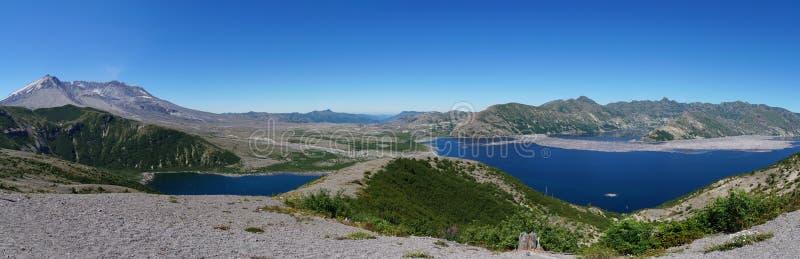 圣海伦山火山和Spirit湖在爆发以后的35年 免版税库存图片