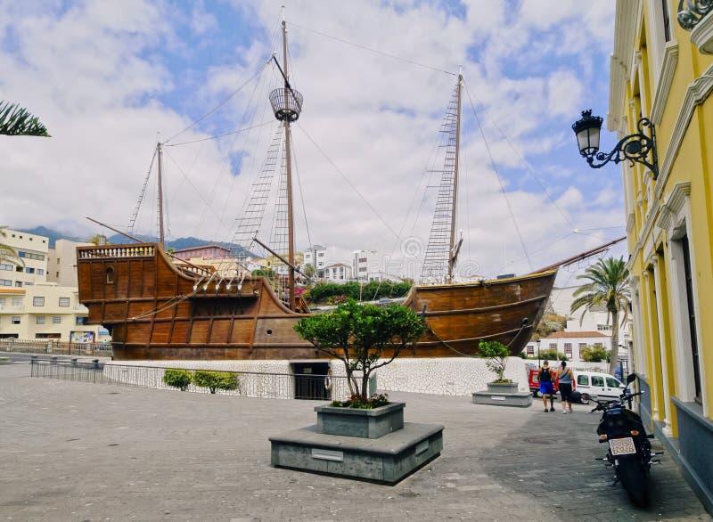 圣玛丽亚船在圣克鲁斯德拉帕尔马 免版税图库摄影
