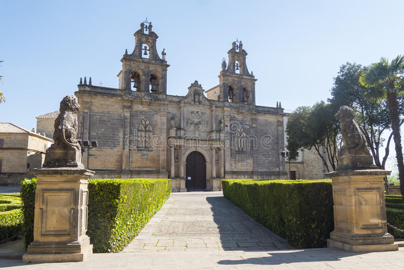 圣玛丽亚de los Reales Alcazares,宇部牧师会主持的教堂, 免版税图库摄影