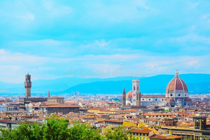 圣玛丽亚del菲奥雷和Palazzo Vecchio在佛罗伦萨 免版税库存照片