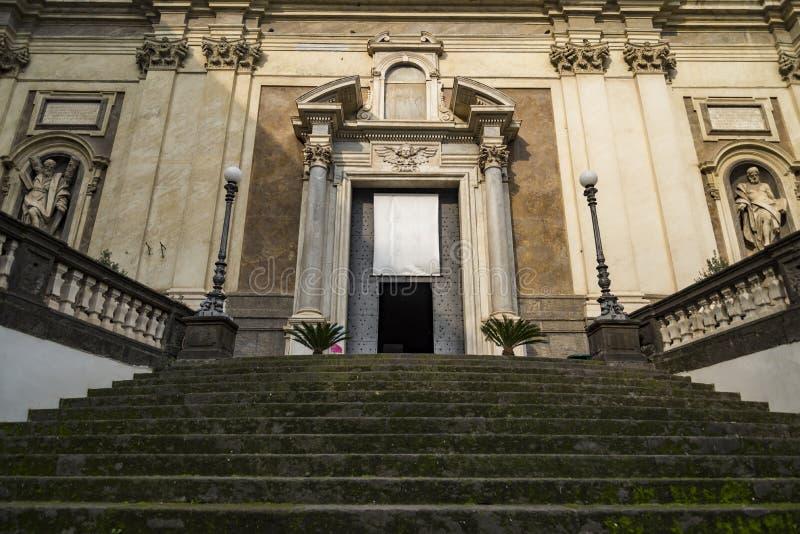 圣玛丽亚Donnaregina维吉亚门面在那不勒斯 库存图片