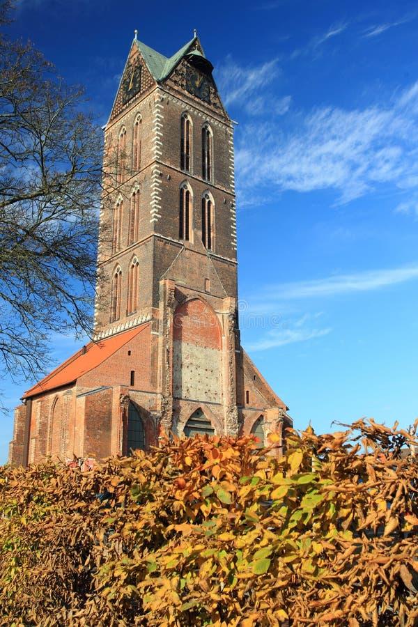 圣玛丽教会废墟在维斯马 免版税图库摄影