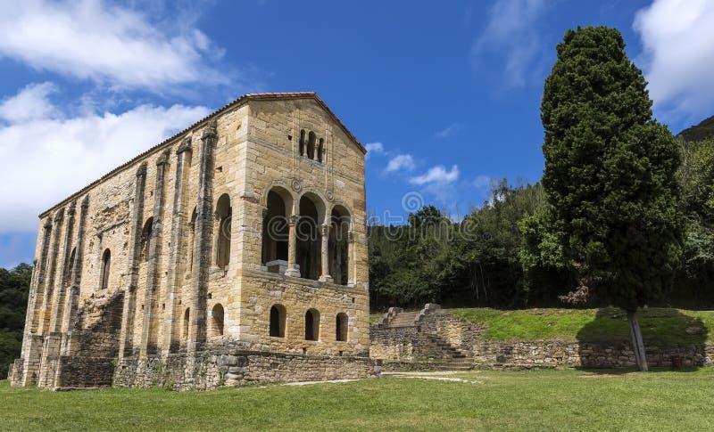 圣玛丽教会登上的Naranco或Iglesia de圣玛丽亚del Naranco是天主教阿斯图里亚斯建筑学教会在Ovied 库存照片