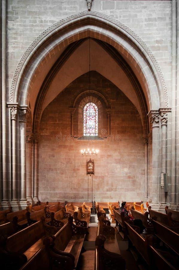 圣皮埃尔大教堂内部在老镇日内瓦, Switzerl 免版税库存照片