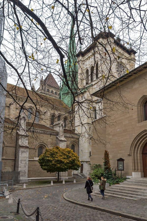 圣皮埃尔大教堂早晨视图在日内瓦,瑞士 免版税库存图片