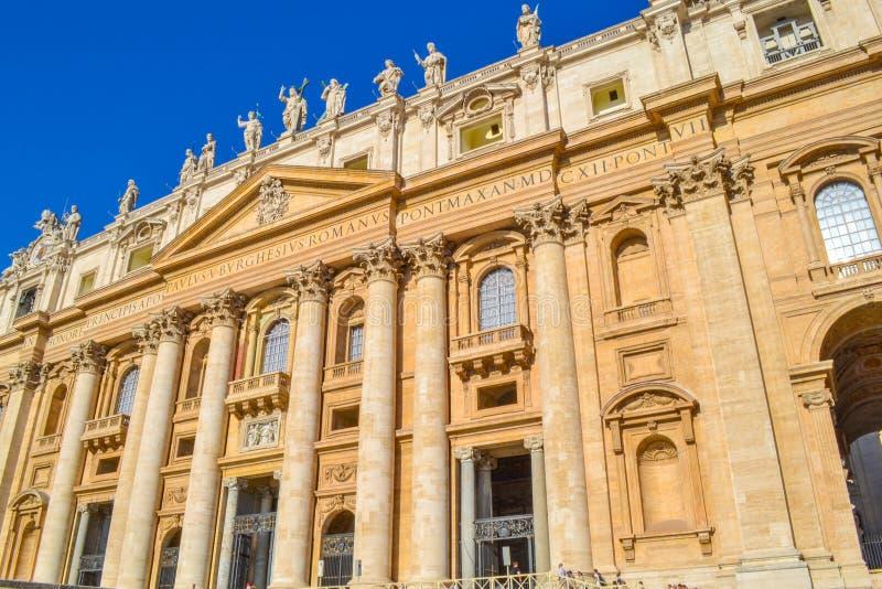 圣皮特圣徒・彼得从圣皮特圣徒・彼得` s正方形广场圣彼得罗的` s大教堂 图库摄影