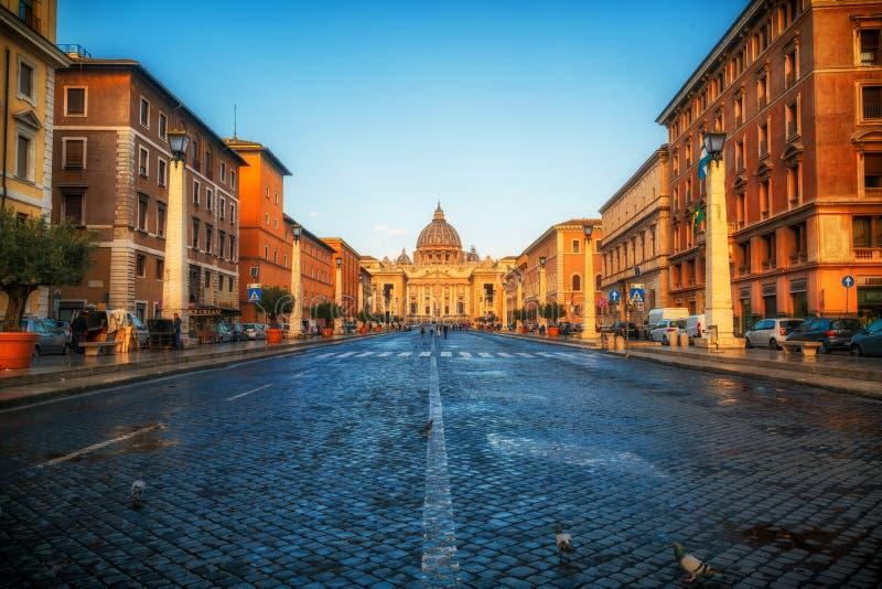 圣皮特圣徒・彼得大教堂在梵蒂冈,罗马,意大利 免版税库存照片