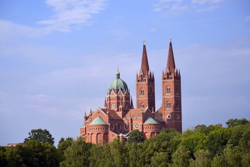 圣皮特圣徒・彼得大教堂大教堂在Djakovo,克罗地亚 库存图片