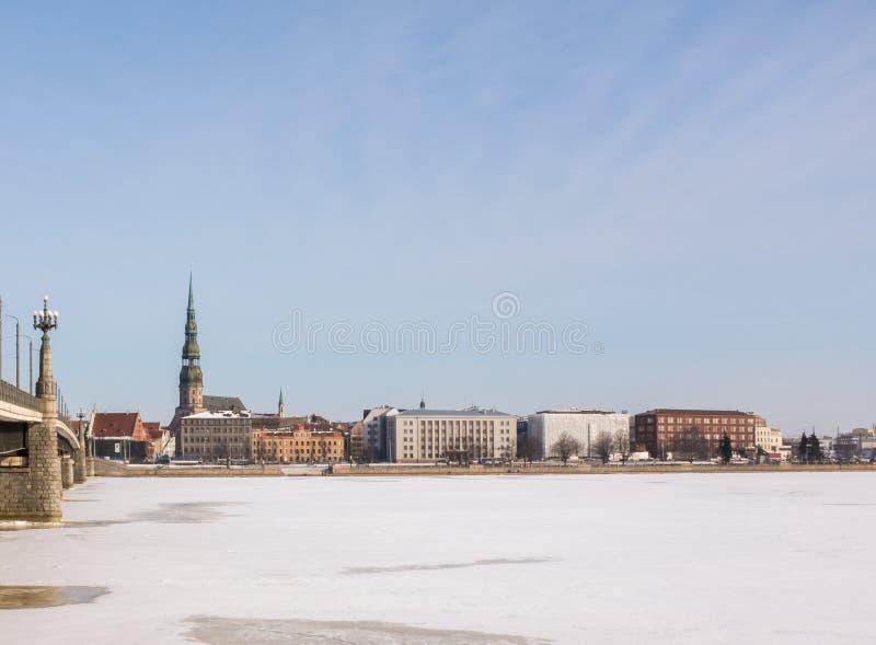 圣皮特圣徒・彼得` s教会在冬天 库存照片